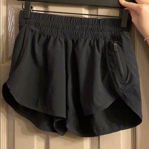 Lululemon tracker short, black, 6*fits more like 4